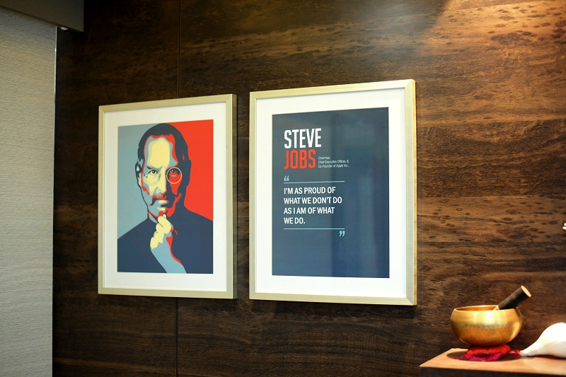 inspiring wall graphics with quotes from famous personalities